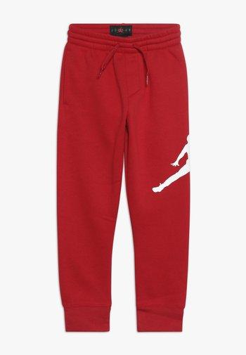 JUMPMAN LOGO PANT - Joggebukse - gym red