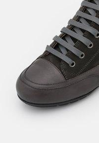 Candice Cooper - PLUS - Höga sneakers - tamponato antracite/montone - 6