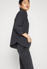 Topshop - JAMIE CLEAN - Jeans Skinny Fit - black denim - 3