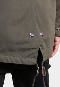 HARRINGTON - JIMMY - Parka - kaki