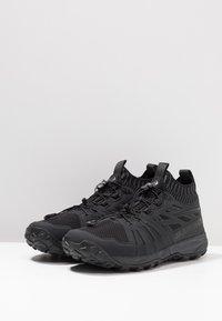 Mammut - SAENTIS KNIT LOW MEN - Hiking shoes - black/phantom - 2