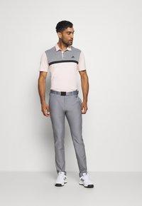 adidas Golf - PERFORMANCE SPORTS GOLF SHORT SLEEVE  - Polotričko - pink tint/grey melange - 1