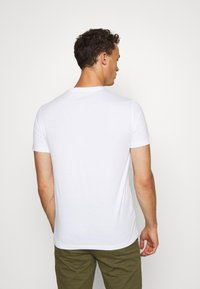 Armani Exchange - T-shirt con stampa - white - 2