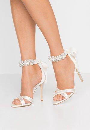 MRSS - Sandaler med høye hæler - ivory