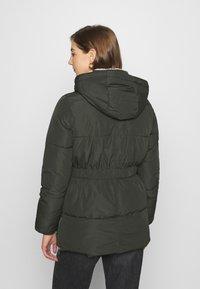 Vero Moda - VMFINLEY JACKET - Zimní kabát - peat - 3