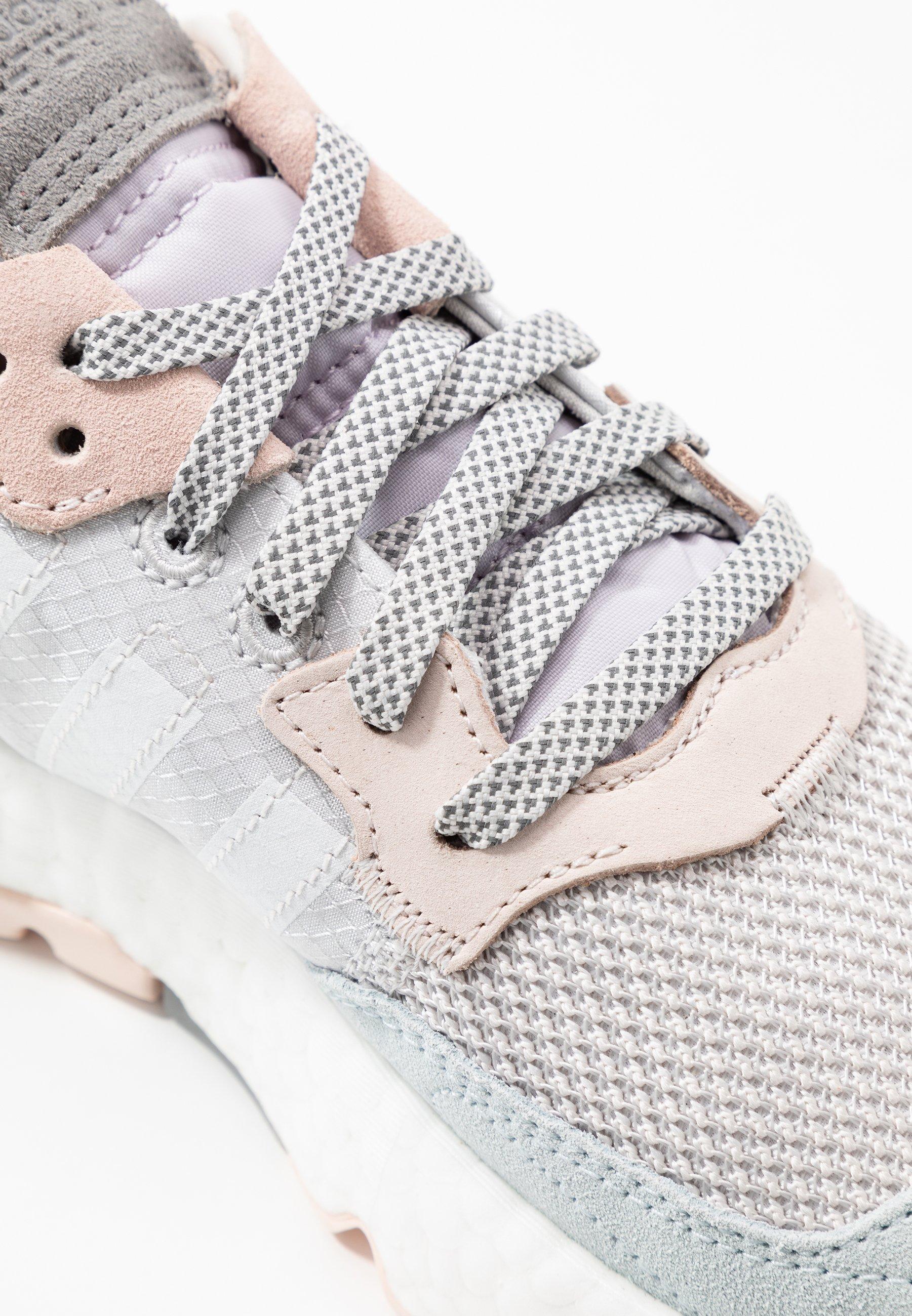 adidas Originals NITE JOGGER  - Sneakers basse - grey one/footwear white/pink tint - Scarpe da donna Freddo