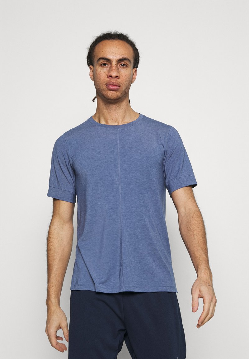 Nike Performance - DRY YOGA - Camiseta básica - midnight navy/ashen slate