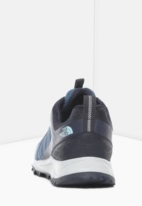 The North Face - W LITEWAVE FASTPACK II WP - Sneakers - mallard blue/aviator navy - 3