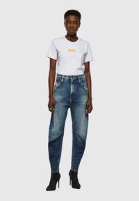 Diesel - Relaxed fit jeans - medium blue - 1