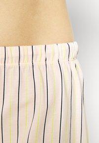 s.Oliver - SHORTY  - Pyjama set - light pink - 4