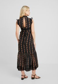 Hope & Ivy Maternity - DROP HEM PENCIL WITH TRIM DETAILS - Maxi šaty - black - 2