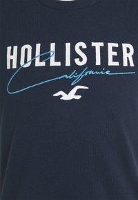 Hollister Co. - CORE TECH SOLID - Camiseta estampada - navy - 4