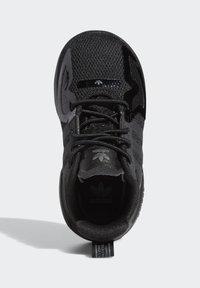 adidas Originals - LA TRAINER LITE SHOES - Scarpe primi passi - black - 1
