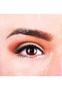 Nyx Professional Makeup - PROOF IT! WATERPROOF SHADOW PRIMER - Eye primer - - - 4