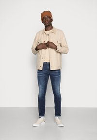 Replay - ANBASS SHADES - Slim fit jeans - dark-blue denim - 1