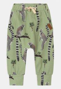 Walkiddy - LEMUR BAGGY - Trousers - green - 0