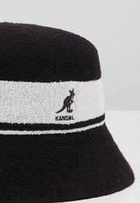 Kangol - BERMUDA STRIPE BUCKET UNISEX - Sombrero - black - 5