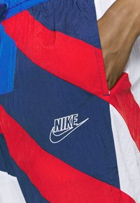 Nike Performance - THROWBACK  - Chándal - blue void/white/university red/game royal - 9