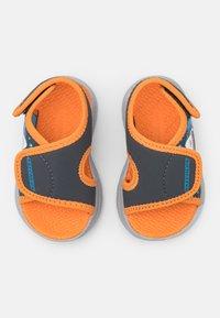 Skechers - C-FLEX 2.0 - Badslippers - charcoal/orange - 3