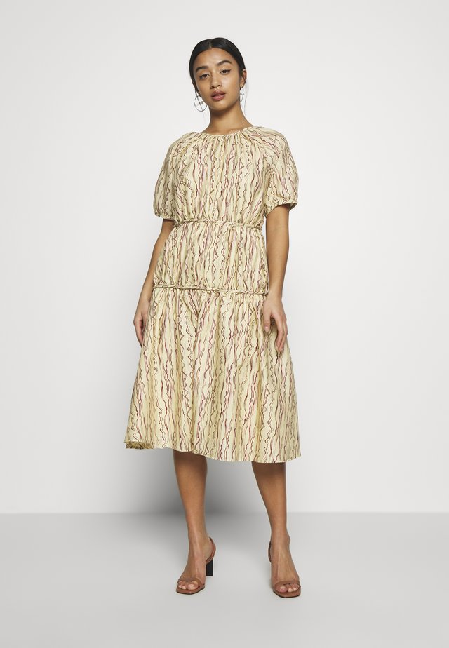 TIERED ABSTRACT STRIPE MIDI DRESS - Day dress - beige