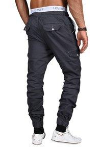 Alessandro Salvarini - DESIGNER - Cargo trousers - anthrazit - 3