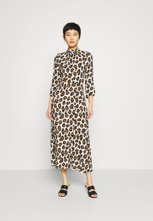 CLOSET HIGH NECK FRONT SLIT DRESS - Day dress - brown