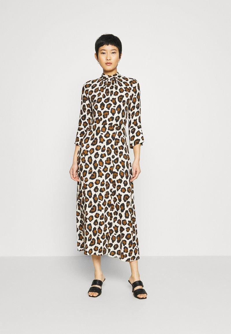 Closet - CLOSET HIGH NECK FRONT SLIT DRESS - Day dress - brown