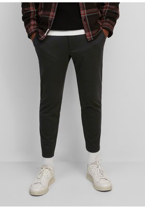 PANTS SLIM FIT TAPERED LEG - Stoffhose - black
