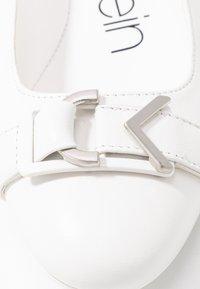 Calvin Klein - ORION - Ballet pumps - white/silver - 2