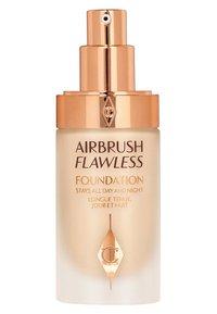 Charlotte Tilbury - AIRBRUSH FLAWLESS FOUNDATION - Foundation - 3 warm - 1