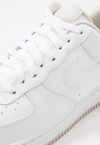 Nike Sportswear - AIR FORCE 1 '07  - Sneakers - white/light bone - 5