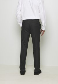 Isaac Dewhirst - RECYCLED TUX SLIM FIT - Completo - black - 5