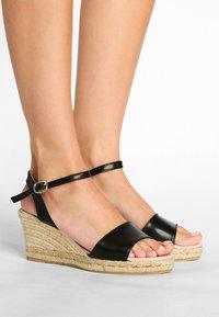 Pretty Ballerinas - Wedge sandals - black - 0