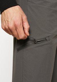 Patagonia - QUANDARY PANTS - Pantalon classique - forge grey - 3