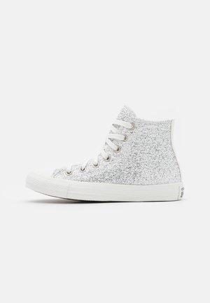 CHUCK TAYLOR ALL STAR - Høye joggesko - vintage white/silver/vaporous gray