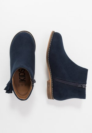 RUFFLE ANKLE BOOT - Classic ankle boots - navy