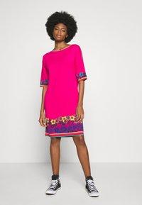 Ivko - DRESS INTARSIA PATTERN - Strikket kjole - pink - 1