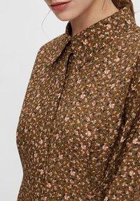 YAS - MIT LANGEN ÄRMELN YASLALLA - Shirt dress - capulet olive - 3