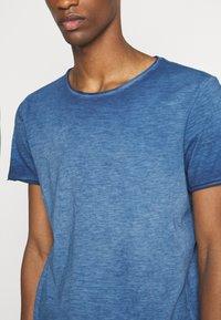 s.Oliver - KURZARM - Basic T-shirt - blue - 5