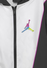 Jordan - COLOR OUTSIDE THE LINES WIND - Giacca sportiva - black - 2