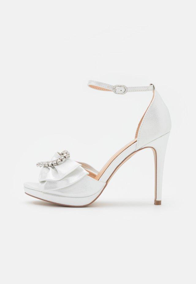 JOJO - Platåsandaletter - white shimmer