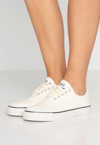 Polo Ralph Lauren - Trainers - cream - 0