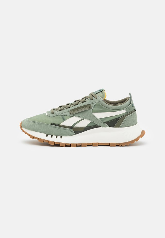 CL LEGACY UNISEX - Zapatillas - harmony green/chalk