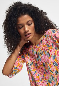 comma casual identity - Blouse - apricot flower - 2