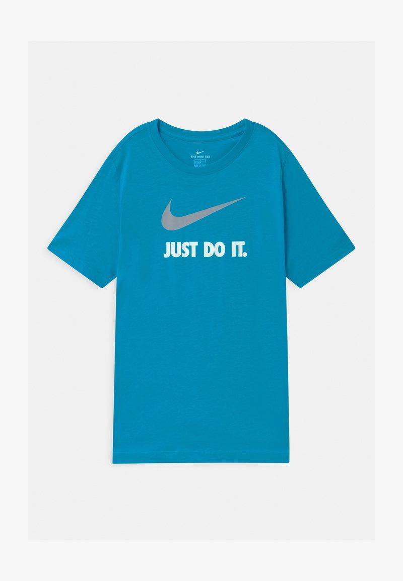 Nike Sportswear - Triko spotiskem - laser blue