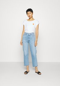 Marc O'Polo - SHORT SLEEVE ROUND NECK - Print T-shirt - off white - 1