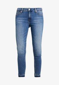 Calvin Klein Jeans - CKJ 001 SUPER SKINNY ANKLE - Skinny džíny - saxon blue release split hem - 4
