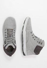Cat Footwear - COLFAX MID - Korkeavartiset tennarit - wild dove - 1