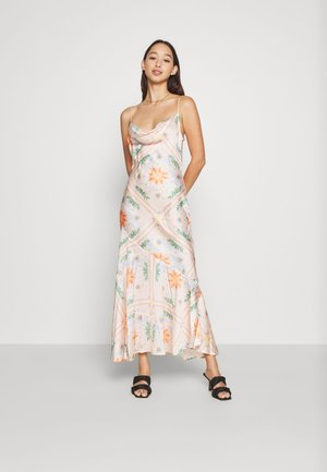 PEACH SUNSHINE MYA DRESS - Cocktailkjoler / festkjoler - peach