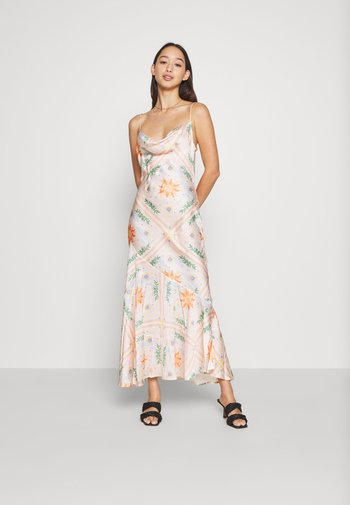 PEACH SUNSHINE MYA DRESS